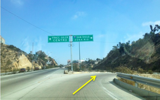 3. Follow the sings for SAN DIEGO/ZONA RIO to take the off ramp on the right. You will loop around on the off ramp.