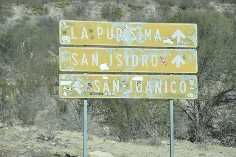 The misleading sign to San Juanico